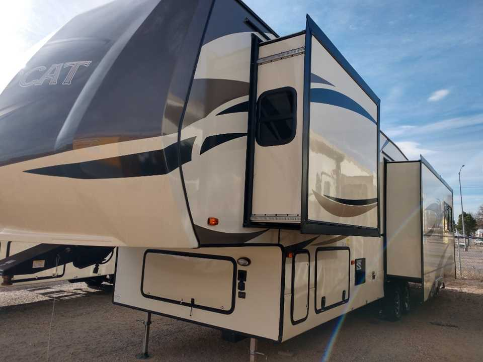 New 2019 Forest River Wildcat 34wb Fifthwheel Stock 1186